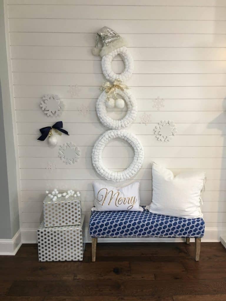 Christmas snowman:  DIY cotton ball wreath