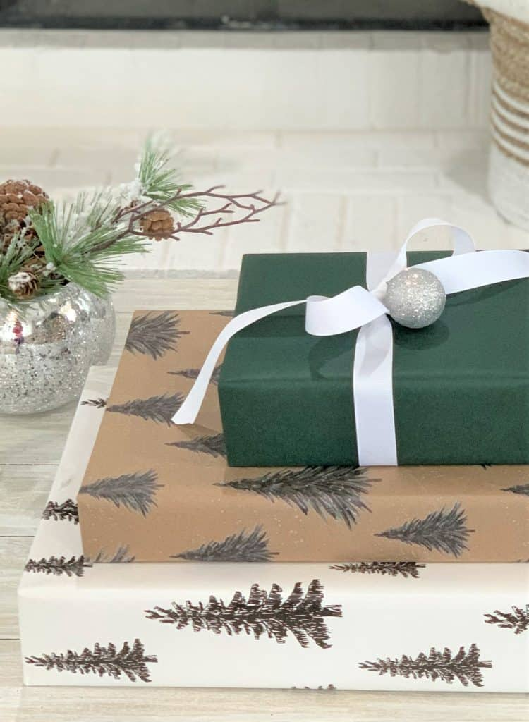 6 Best Christmas Gift Wrapping Tips & Ideas