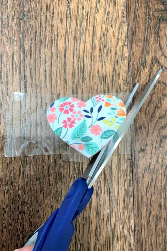 DIY Heart Napkin Rings: Valentine's Day Decor